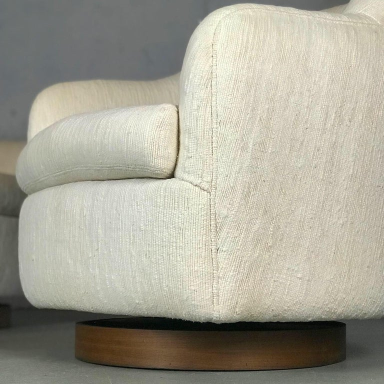 Designer Swivel and Tilt Lounge Chairs by Milo Baughman for Thayer Coggin In Good Condition For Sale In St.Petersburg, FL