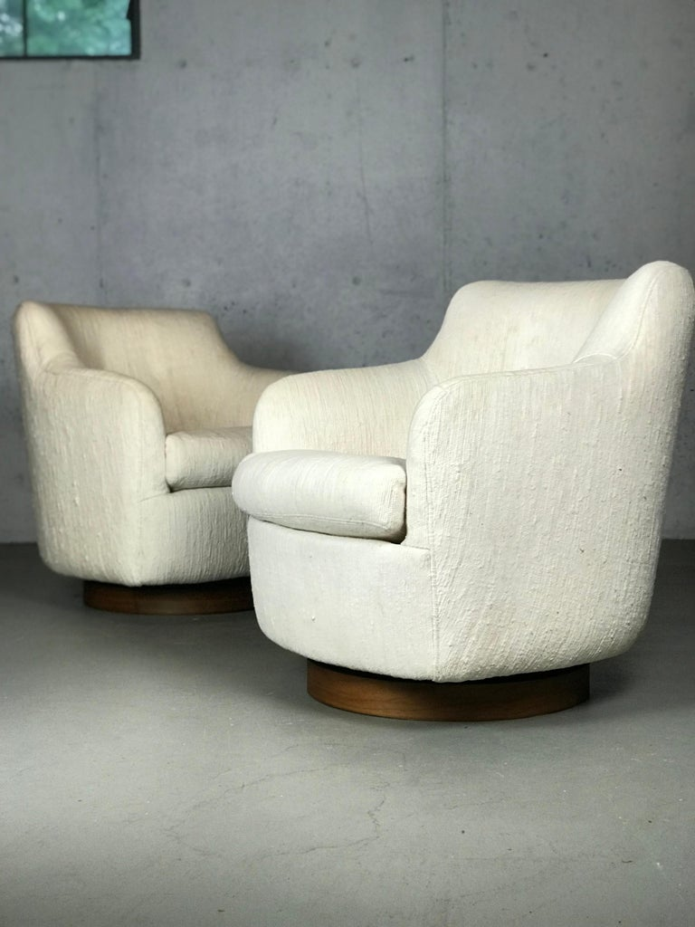 Fabric Designer Swivel and Tilt Lounge Chairs by Milo Baughman for Thayer Coggin For Sale
