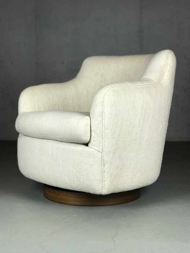Designer Swivel and Tilt Lounge Chairs by Milo Baughman for Thayer Coggin For Sale 1