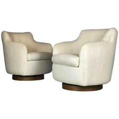 Designer Swivel and Tilt Lounge Chairs by Milo Baughman for Thayer Coggin