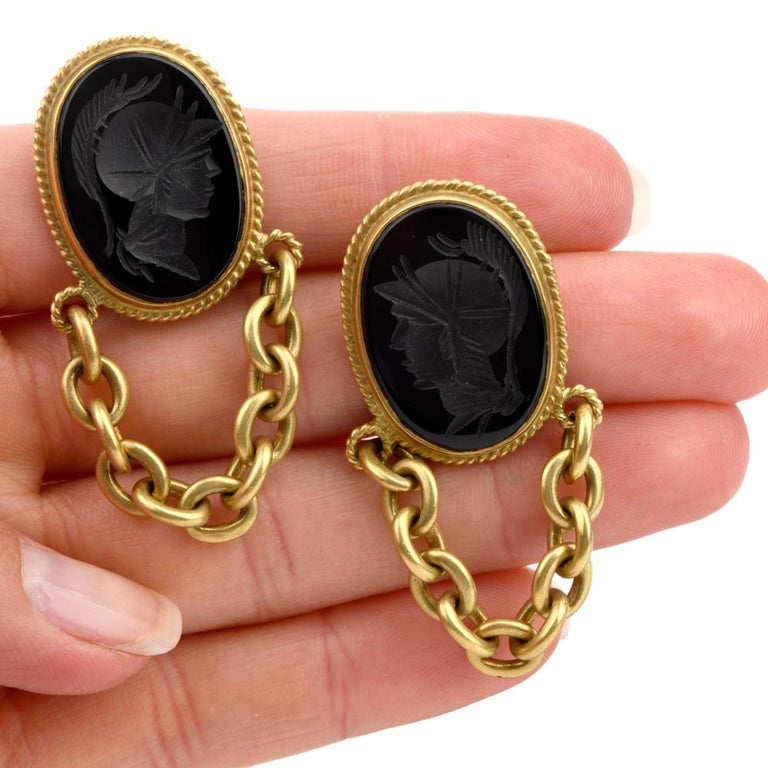 Designer Vahe Naltchayan Onyx Roman 18 Karat Yellow Dangle Clip-On Earrings In Excellent Condition For Sale In Miami, FL