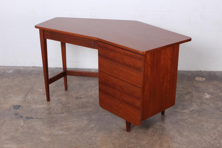 Mid-20th Century Desk by Bertha Schaefer for Singer and Sons For Sale