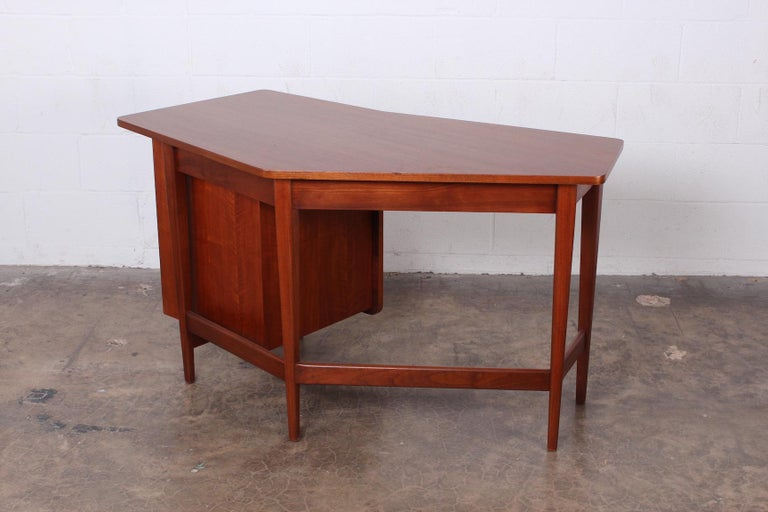 Desk by Bertha Schaefer for Singer and Sons For Sale 4