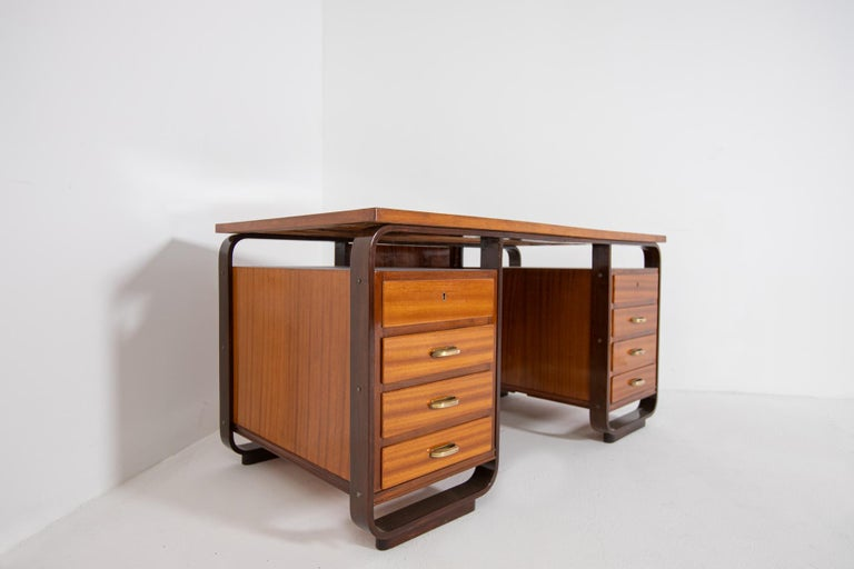 Desk by Giuseppe Pagano in Brass and Wood, Restored 1940s For Sale 7