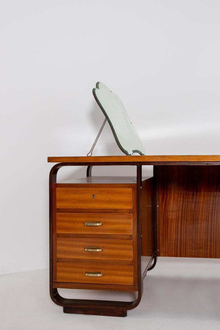 Desk by Giuseppe Pagano in Brass and Wood, Restored 1940s For Sale 10