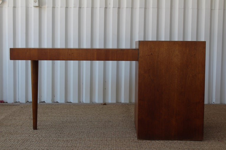 Desk by T.H. Robsjohn-Gibbings for Widdicomb, U.S.A, 1950s In Good Condition For Sale In Los Angeles, CA