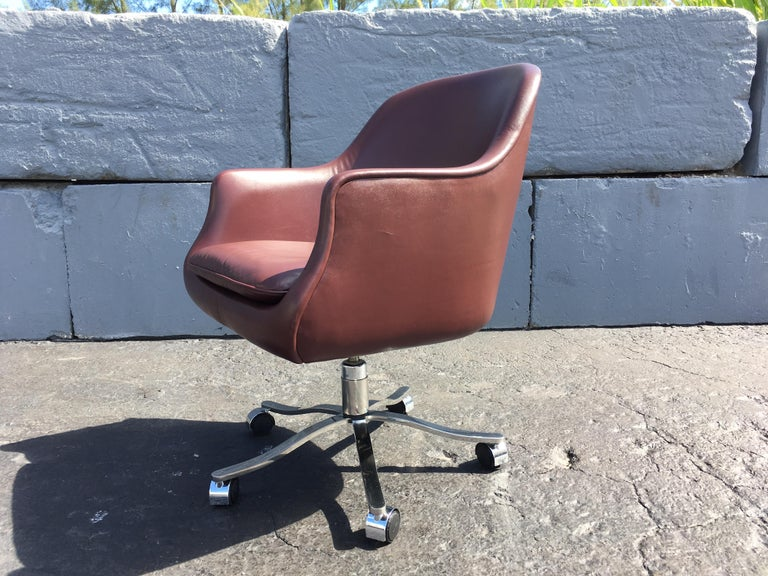 Late 20th Century Desk Chair by Nicos Zographos, Leather and Stainless Steel Base For Sale