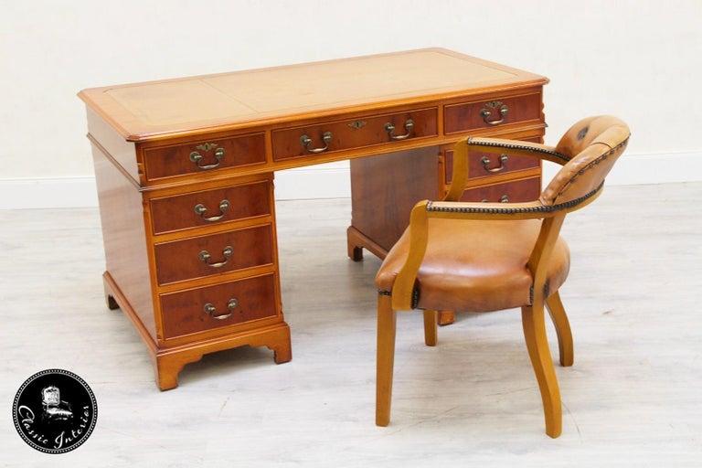 Schreibtisch Chesterfield Leder Antiker Tisch Englischer