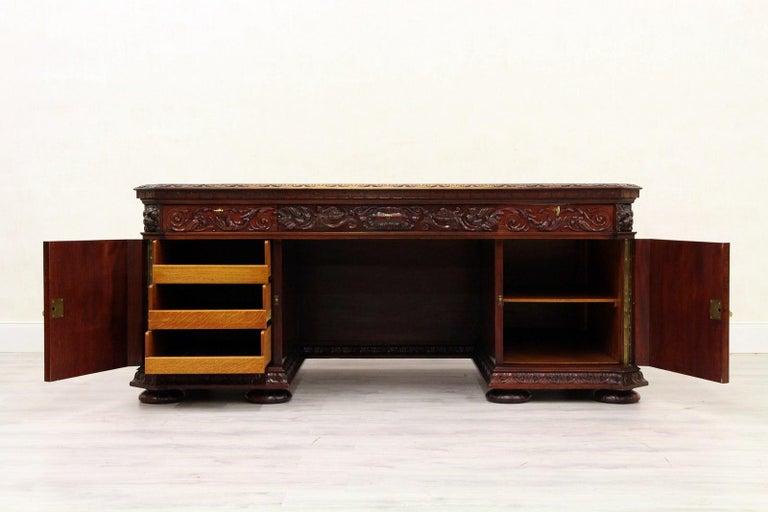 Antiker Herrenzimmer Schreibtisch mit Klauenfüßen 10