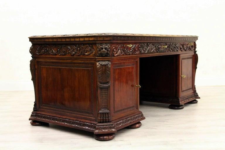 Antiker Herrenzimmer Schreibtisch mit Klauenfüßen 6