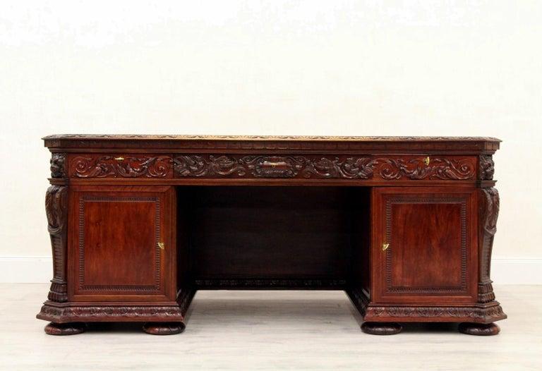 Antiker Herrenzimmer Schreibtisch mit Klauenfüßen 9