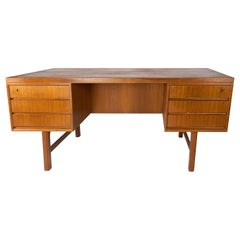 Desk in Teak of Danish Design from the 1960s