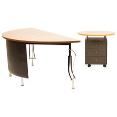 Desk 'La Vuelta' by Perry King & Santiago Miranda