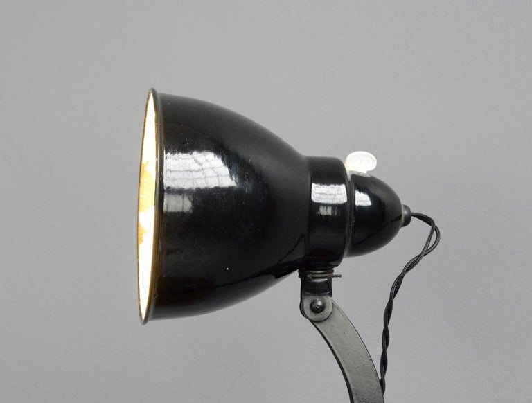 Desk Lamp by Viktoria, circa 1930s For Sale 1