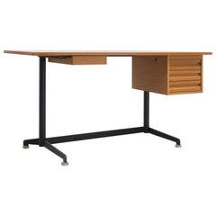 Desk, Made of Walnut by Oswaldo Borsani, 1954