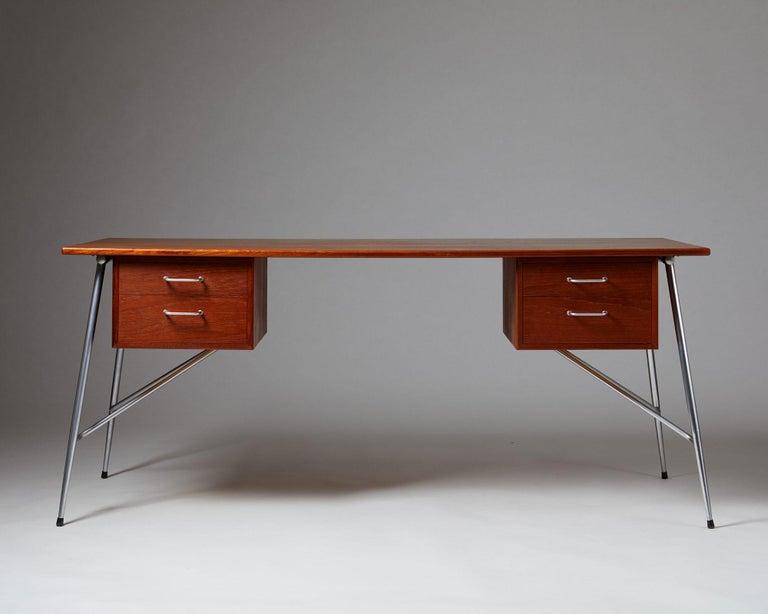 Danish Desk Model 202 Designed by Börge Mogensen for Söborg Möbelfabrik, Denmark, 1953 For Sale