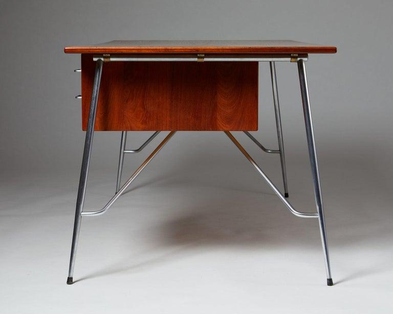 Mid-20th Century Desk Model 202 Designed by Börge Mogensen for Söborg Möbelfabrik, Denmark, 1953 For Sale