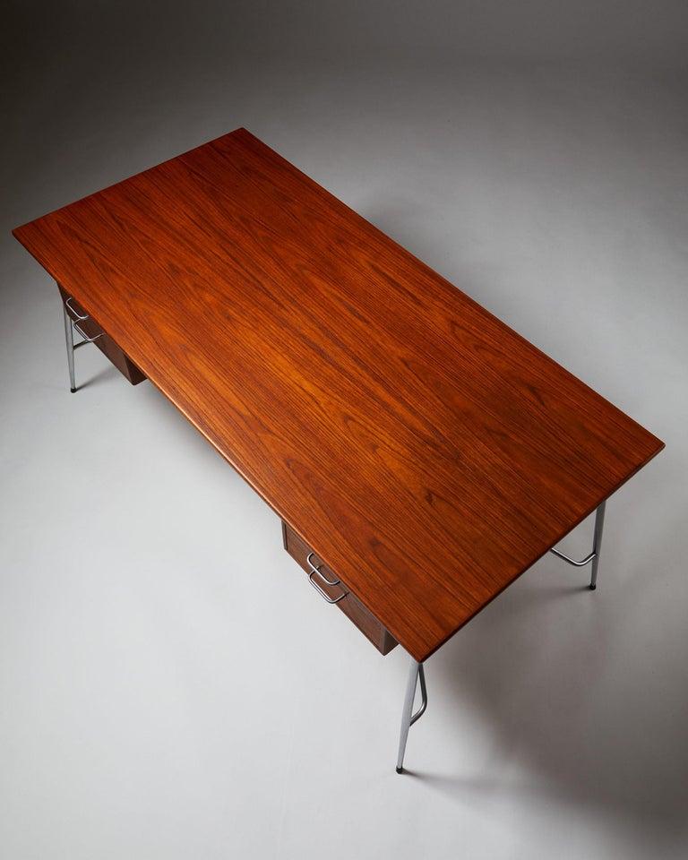 Desk Model 202 Designed by Börge Mogensen for Söborg Möbelfabrik, Denmark, 1953 For Sale 1