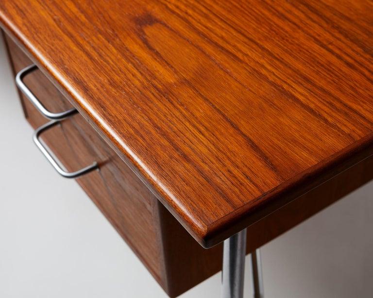 Desk Model 202 Designed by Börge Mogensen for Söborg Möbelfabrik, Denmark, 1953 For Sale 2