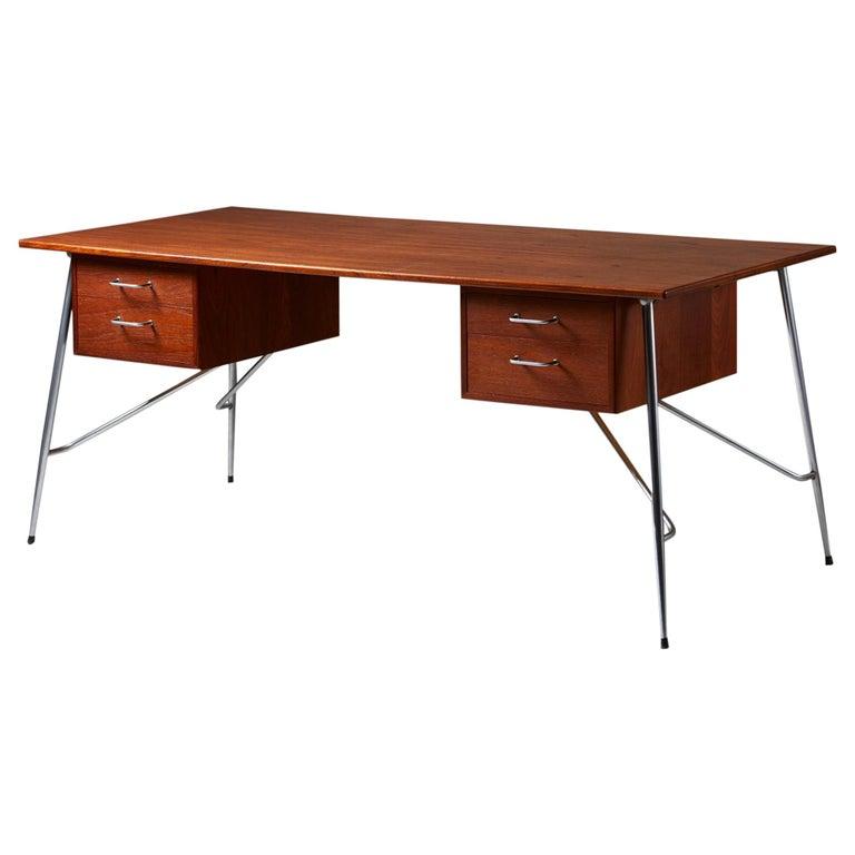 Desk Model 202 Designed by Börge Mogensen for Söborg Möbelfabrik, Denmark, 1953 For Sale