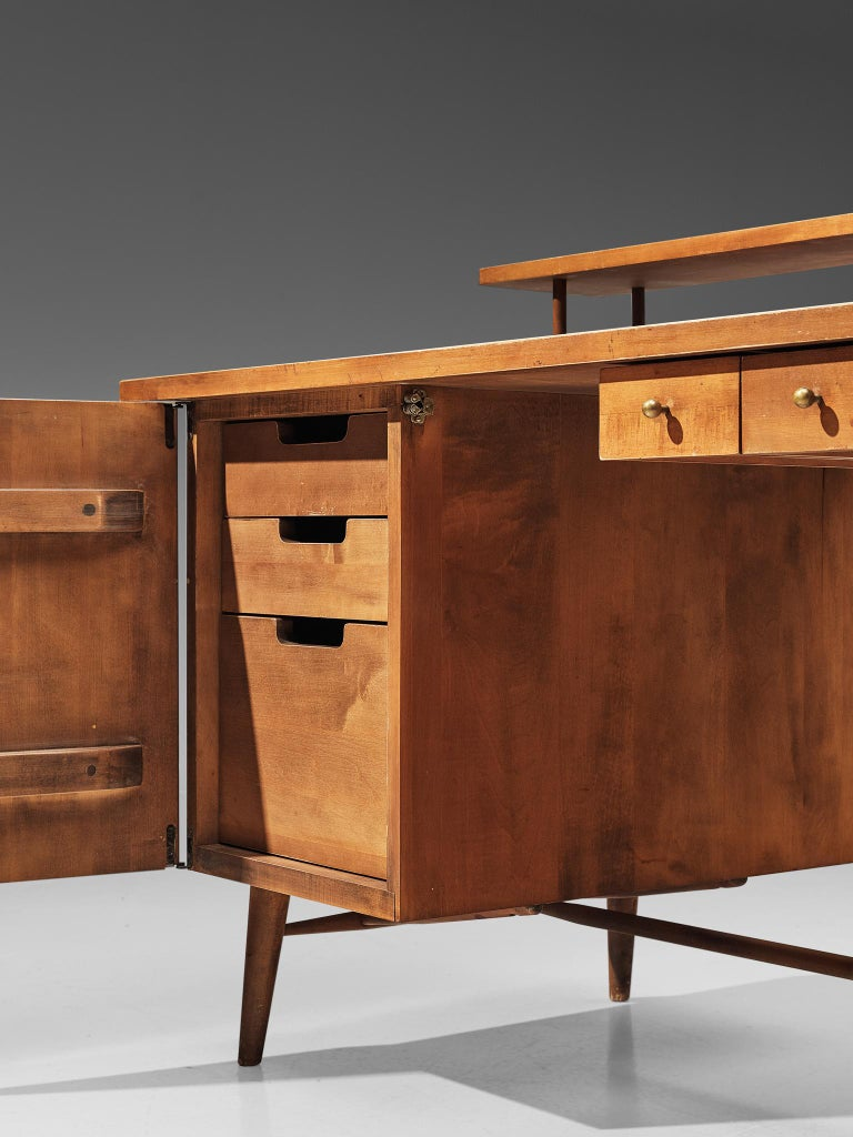 Mid-20th Century Desk Paul McCobb Desk in Maple, 1950s For Sale