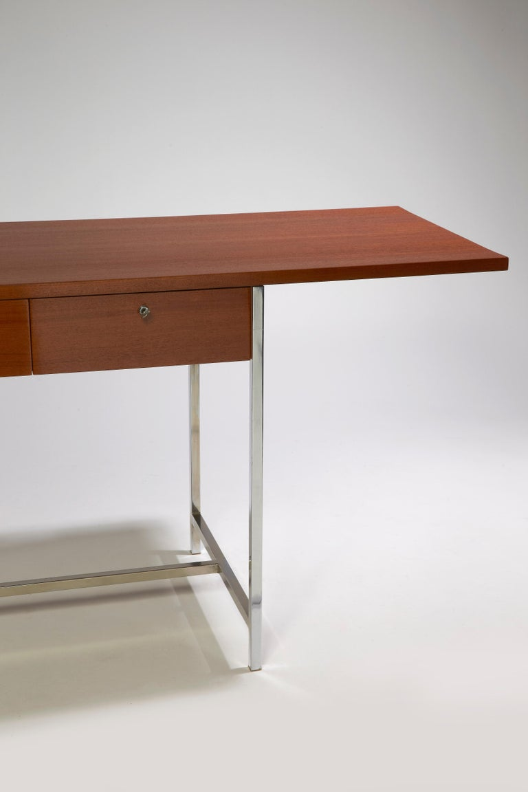 Desk with off center top, with 2 drawers lockable