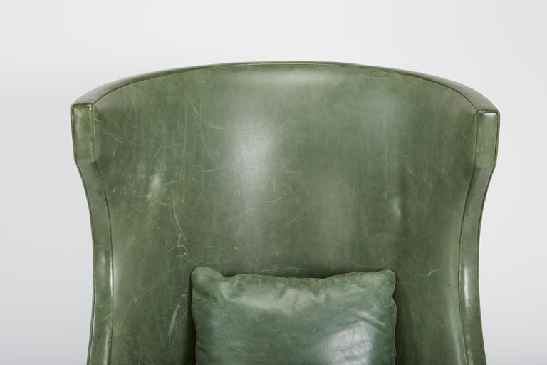 Dessin Fournir Classical Modern High Wingback with Green Leather Armchairs For Sale 5