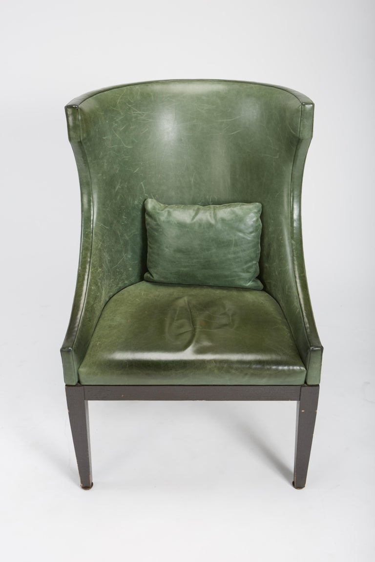 North American Dessin Fournir Classical Modern High Wingback with Green Leather Armchairs For Sale