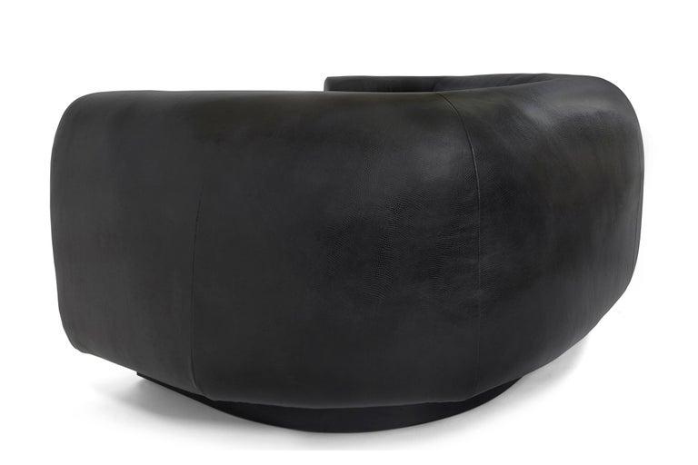 Contemporary Destino Sofa Black Curved Tight seat For Sale