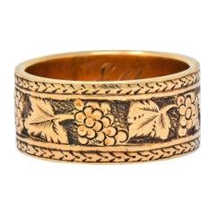Detailed Victorian 14 Karat Gold Grapevine Band Ring, circa 1860