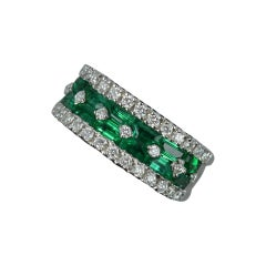 Di Go 18ct White Gold Emerald and Diamond Cluster Band Ring