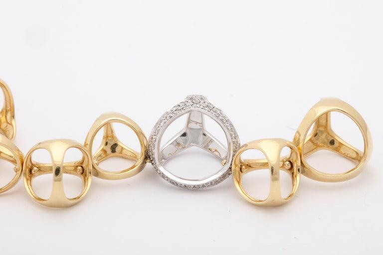 Di Modolo 1990s Triada Clasp Diamond and White and Gold Open Link Necklace For Sale 3