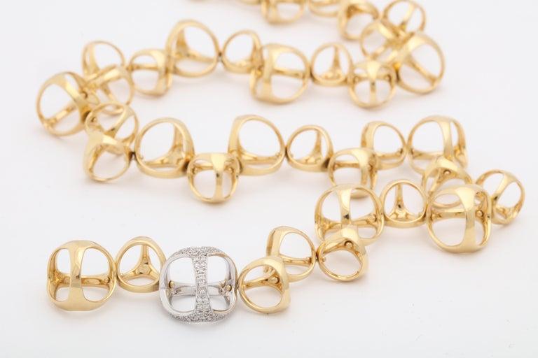 Di Modolo 1990s Triada Clasp Diamond and White and Gold Open Link Necklace For Sale 4