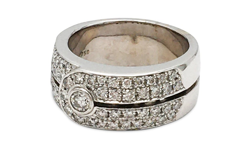 Authentic Di Modolo ring crafted in 18 karat white gold and set with an estimated 1.0 carats of high-quality round brilliant cut diamonds. Signed Di Modolo, 750. Ring size 6. The ring is not presented with the original box or papers. CIRCA 2000s.