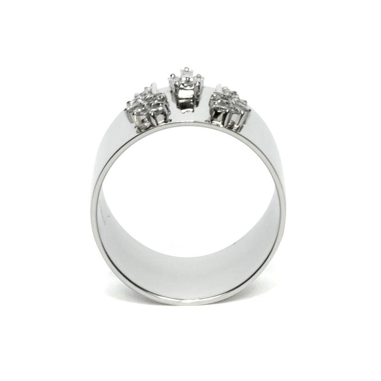 Round Cut Diamond 0.250 Carat Platinum Wide Band Ring For Sale
