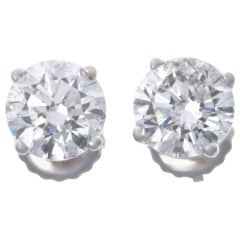 Diamond 14 Karat White Gold Stud Earrings