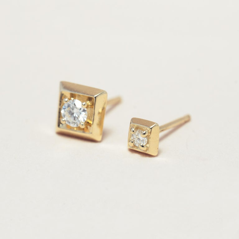 Contemporary Diamond 14 Karat Gold Formation Square Mini Stud For Sale