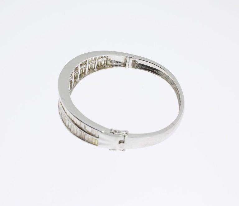 Diamond 18 Carat Gold Bangle Bracelet For Sale 1