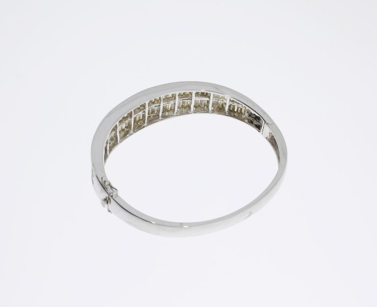 Diamond 18 Carat Gold Bangle Bracelet For Sale 2