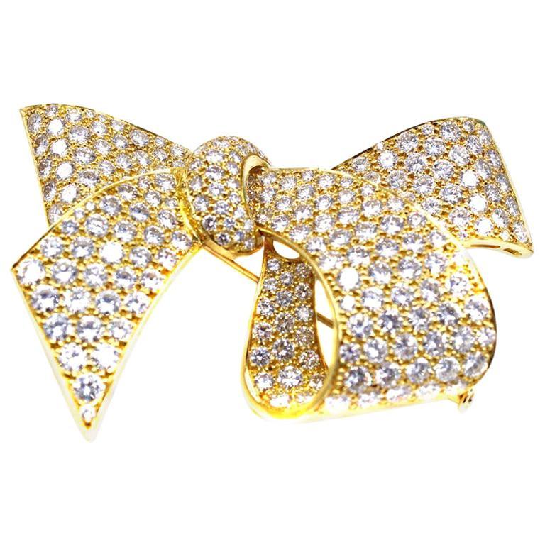 Diamond 18 Karat Gold Bow Brooch