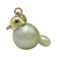 Diamond 18 Karat Gold Yellow Australian Pearl Dove Bird Pendant/Necklace