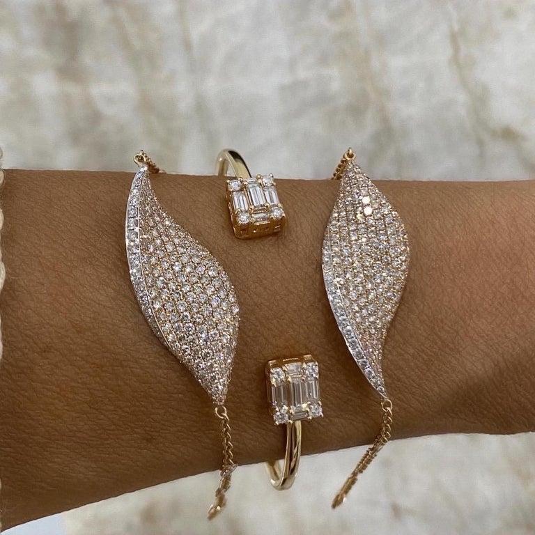 Diamond 18 Karat Rose Gold Bangle Bracelet In New Condition For Sale In New York, NY