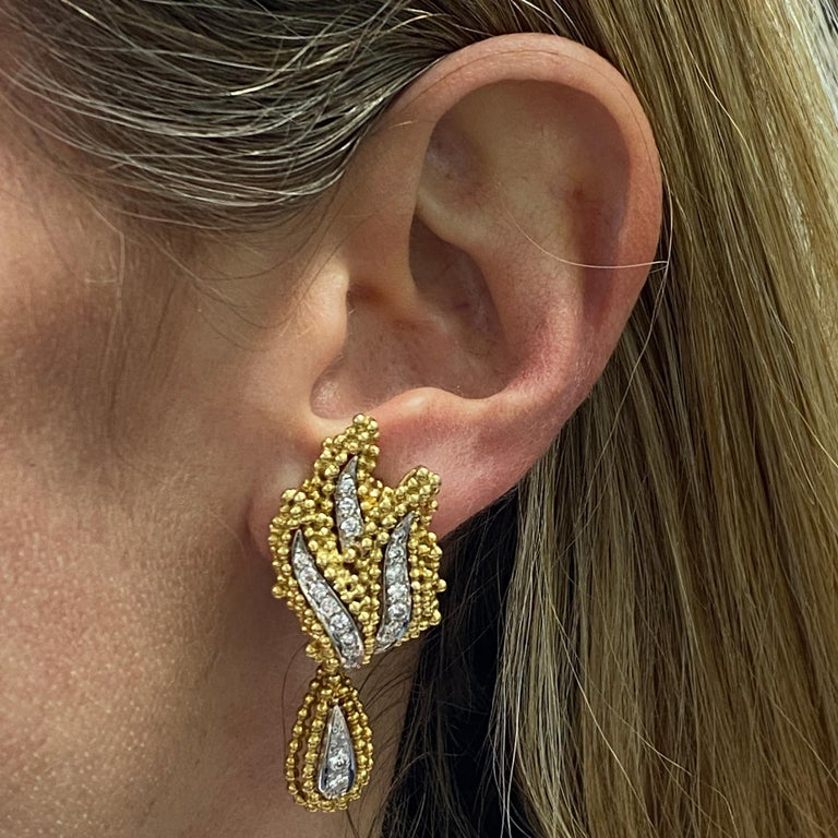 Diamond 18 Karat Two-Tone 18 Karat Gold Leaf Drop Earrings In Excellent Condition For Sale In Boca Raton, FL