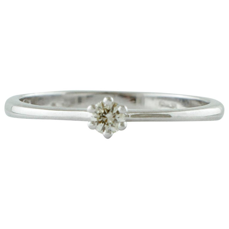 Diamond, 18 Karat White Gold Solitaire/ Engagement Ring For Sale
