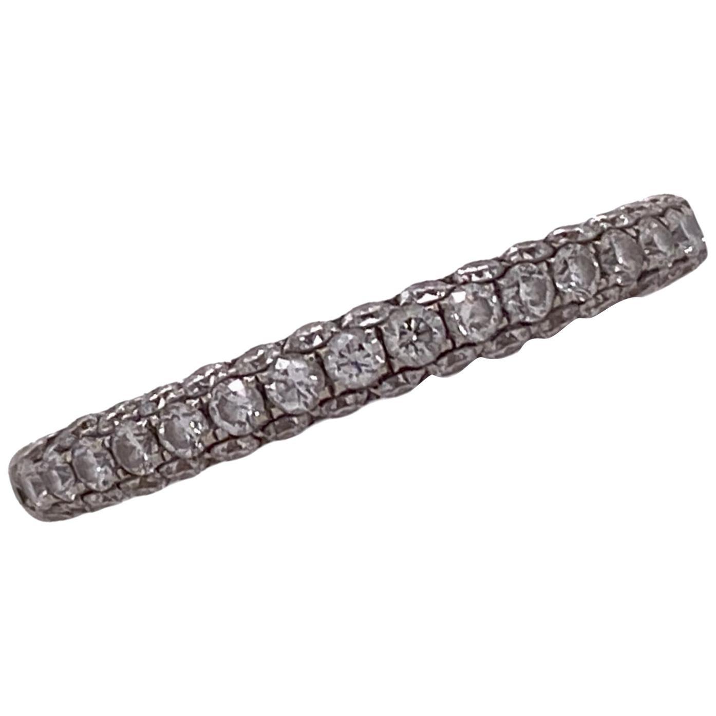 Diamond 18 Karat White Gold Wedding Anniversary Band Ring Modern