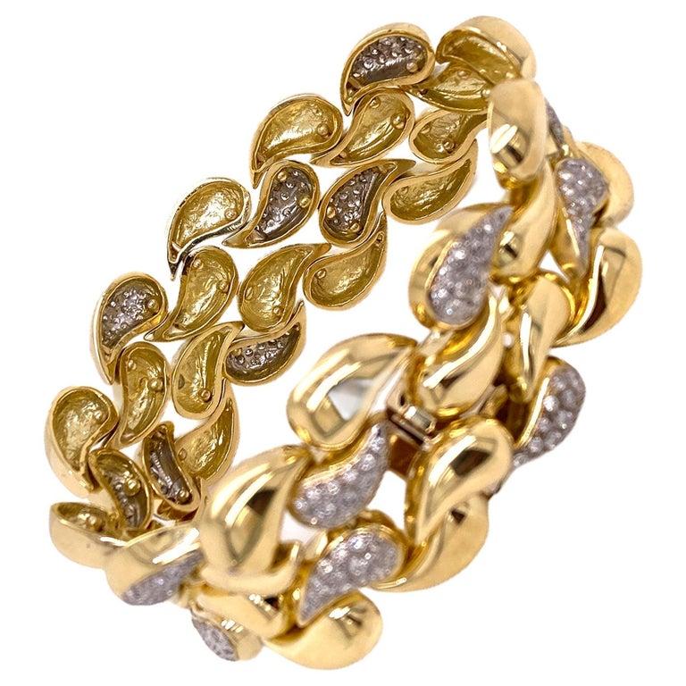 Diamond 18 Karat Yellow Gold Wide Infinity Link Vintage Bracelet Hidden Clasp For Sale