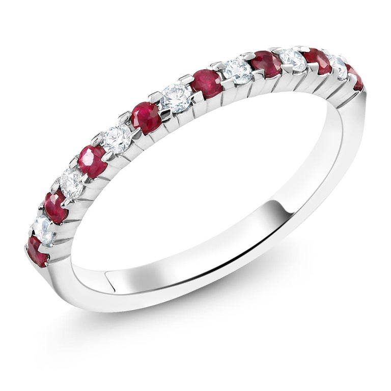 Diamond Alternating Ruby Partial 15 Stone Eighteen Karat Gold Ring  In New Condition For Sale In New York, NY