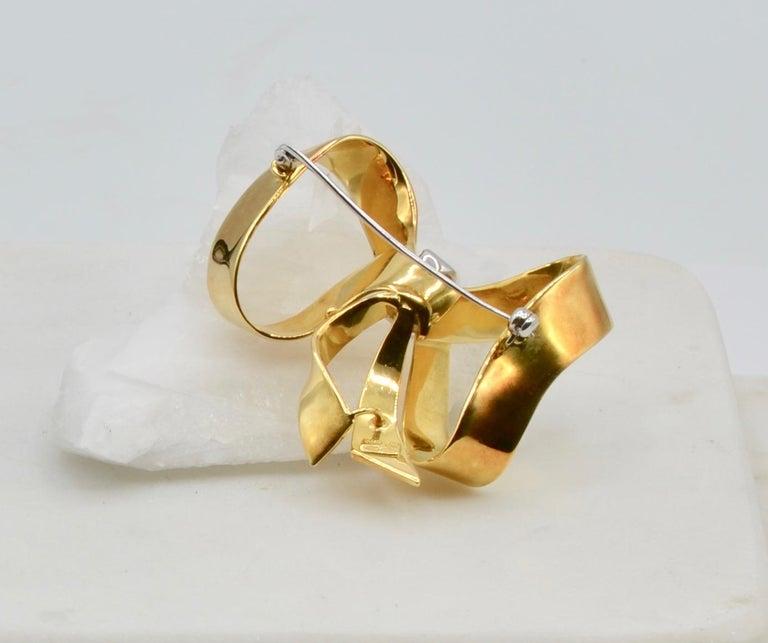 Women's or Men's Diamond and 18 Karat Italian Ribbon Bow Brooch For Sale