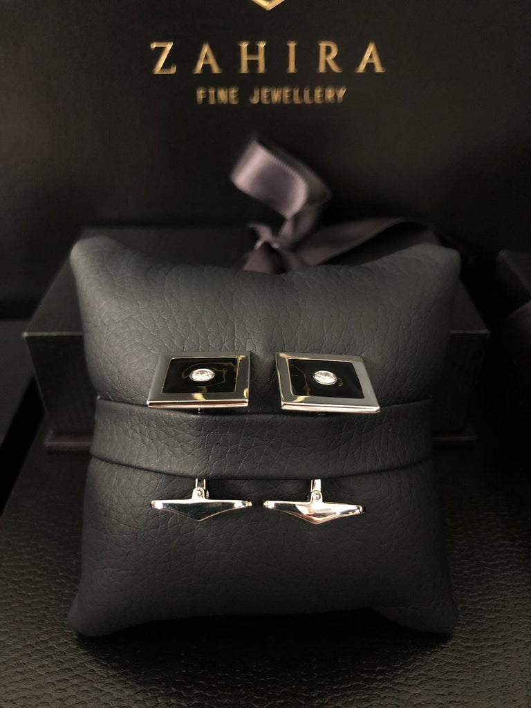Diamond and Black Enamel Cufflinks in 18 Karat White Gold In New Condition For Sale In Bangkok, TH