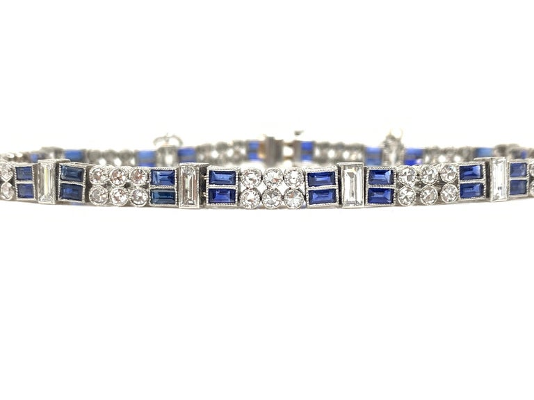 Diamond and Blue Sapphire Bracelet in Platinum In Excellent Condition For Sale In New York, NY